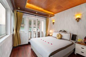 glamor-star-cruise-balcony-cabin